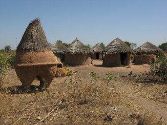 Grenier à céréales en pays Moba