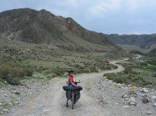 Transport du violon au Kirghizstan