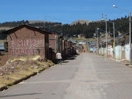 L'Avenue Internationale (!) de Tilali, menant à la frontière