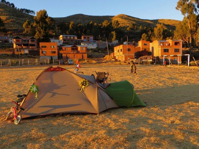Même la tente est décorée !