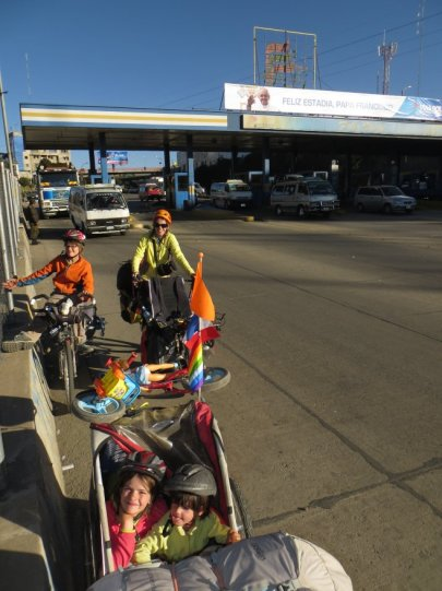 L'autoroute descendant à La Paz