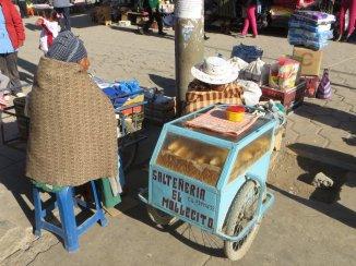 Marché d'Uyuni - Saltenerias (beignets fourrés)