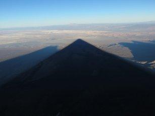 L'ombre pointe sur San Pedro d'Atacam