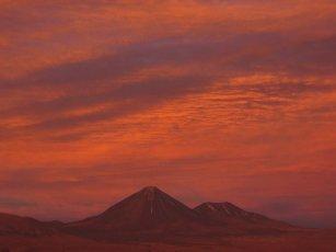 Retour le soir : coucher de soleil sur les volcans