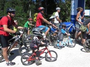 Départ du 5 km : Titouan est impressionné par les autres petits concurrents !