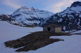 Petite chapelle devant la Grande Casse