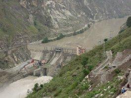 Les impressionnants aménagements électriques de la Sutlej