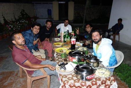 Les excellents chanteurs-motards indiens
