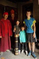 Gelik (notre moine aux lunettes rouges !), Gelik (encore un !), Adélie, Titouan et Gaspard