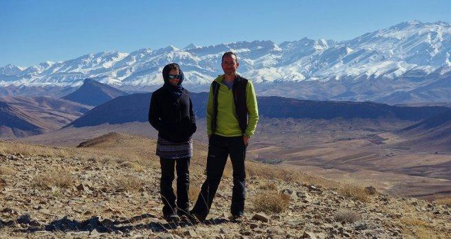 Face au massif du Déna (à droite le Kal-e-Qodveis, à 4300 m d'altitude)
