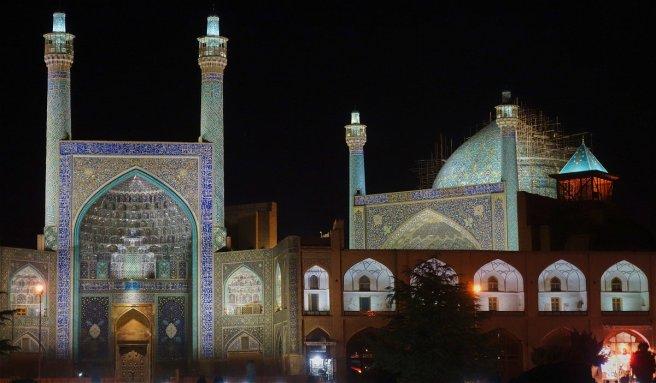 La grande mosquée d'Ispahan, sur la place de l'Imam (ex place royale)