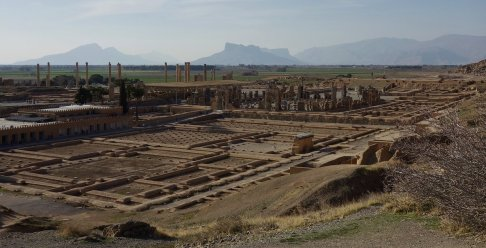 Vue général du site de Perséoplis depuis la terrasse supérieure