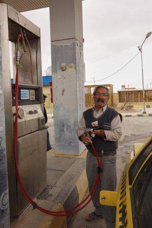 Le plein de gaz, avant Yazd