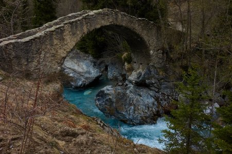 Le pont sur le Vénéon, avant de remonter à Champhorent