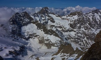 Vue du sommet vers l'Olan