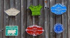 Porte d'une ferme vers Saint Agnan
