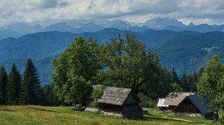 Descente du col Rovtarica face au Triglav