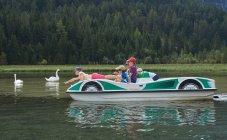 Pédalo sur le Lago di Dobbiaco