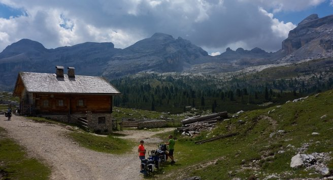Refuge de Gran Fanes (2102 m)