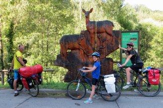 Panneaux d'information le long de la piste cyclable de la Drave