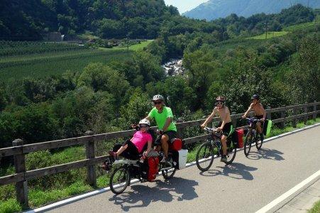 Ca monte le long de l'Adige !