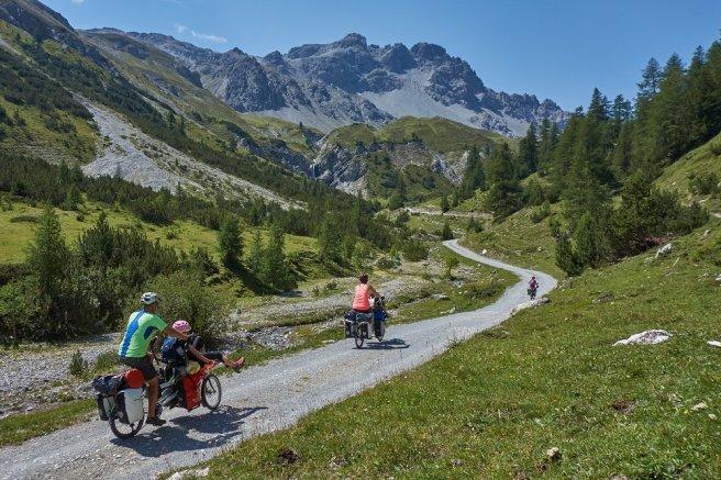 En route pour le col - Val Mora