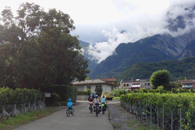 Montée à Chamoson-le-Haut à travers les vignobles