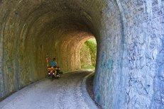 Tunnels de l'ancienne voie du tram'