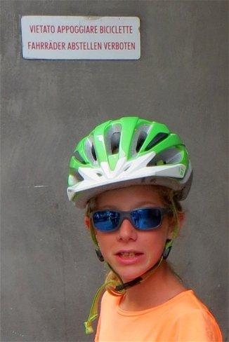Vélo interdit, dans les rues de Mérano, oups, on n'a pas vu !