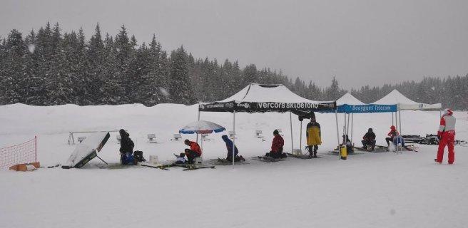 Pas de tir (10 m) du Biathlon de Chamrousse, dans des conditions très hivernales (Belledonne)