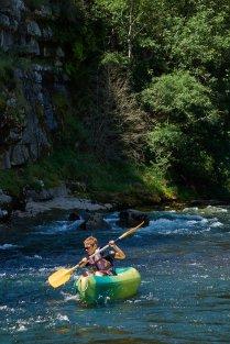 Mathieu dans les rapides du Chassezac