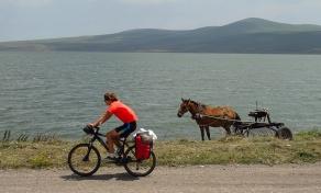 Devant le lac de Paravani