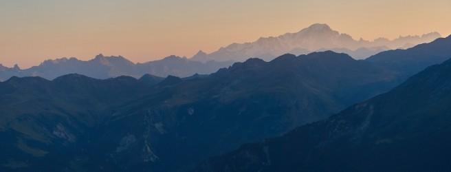 Le Mont-Blanc. De la Pierra Menta aux Grandes Jorasses.