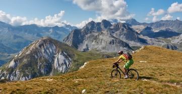 Descente face au petit Mont-Blanc, le prochain oblectif du jour
