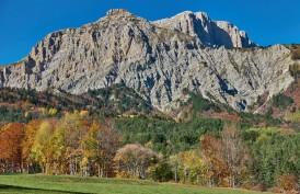Couleurs d'automne sous les falaises du Petit (et grand) Veymont